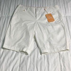 🎁 NWT Dockers Women's White Bermuda Shorts